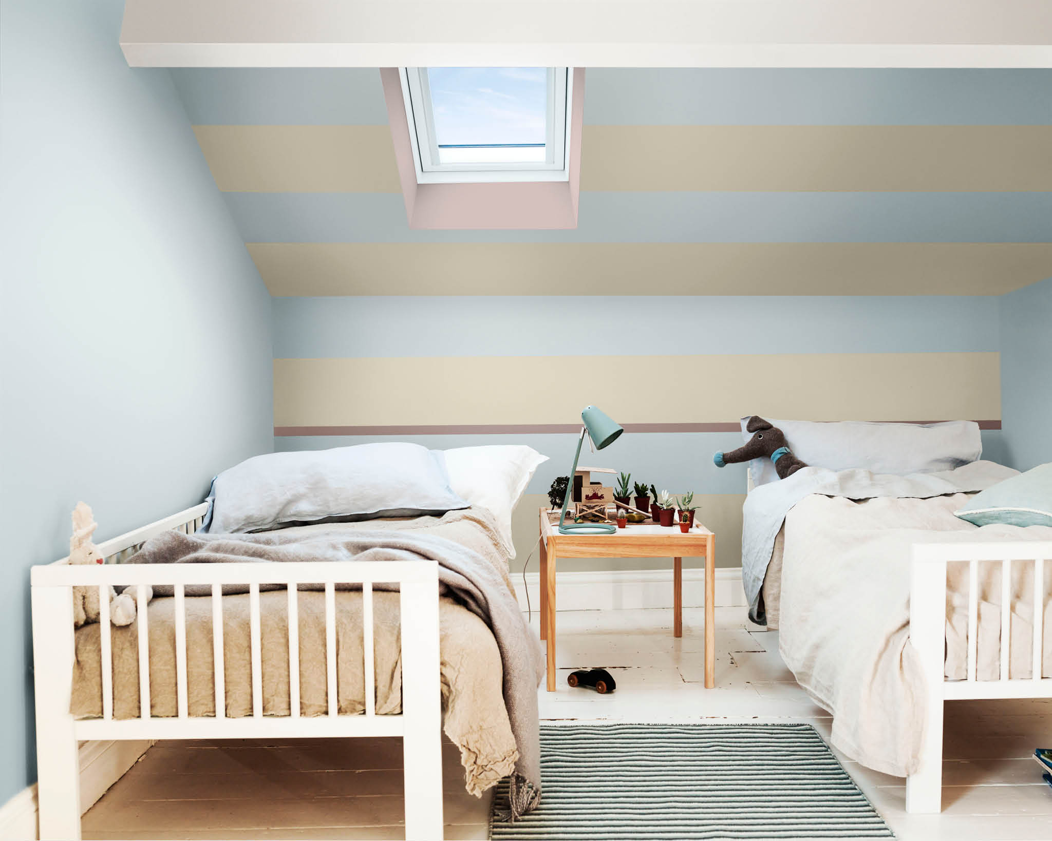 Stripes in kids' bedroom