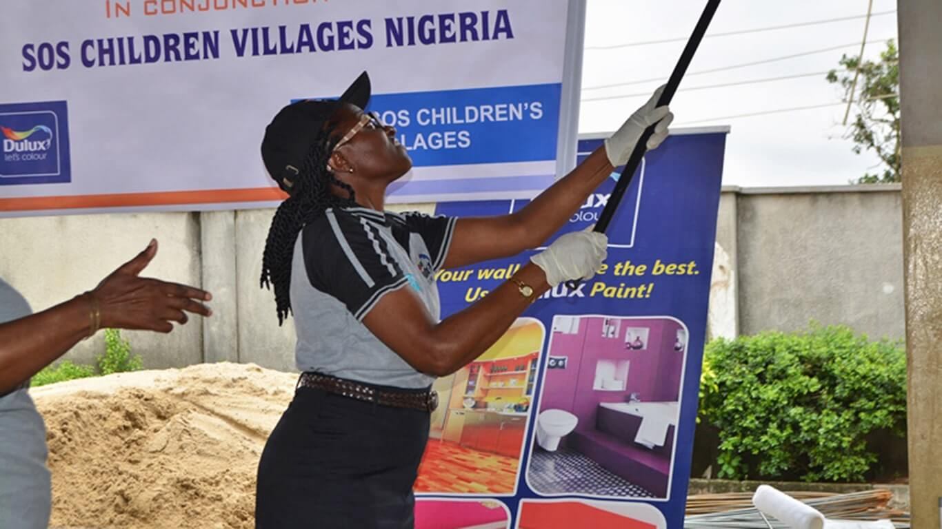 Dulux-Lets-Colour-SOS-Childrens-Villages-Nigeria-Malaysia-04