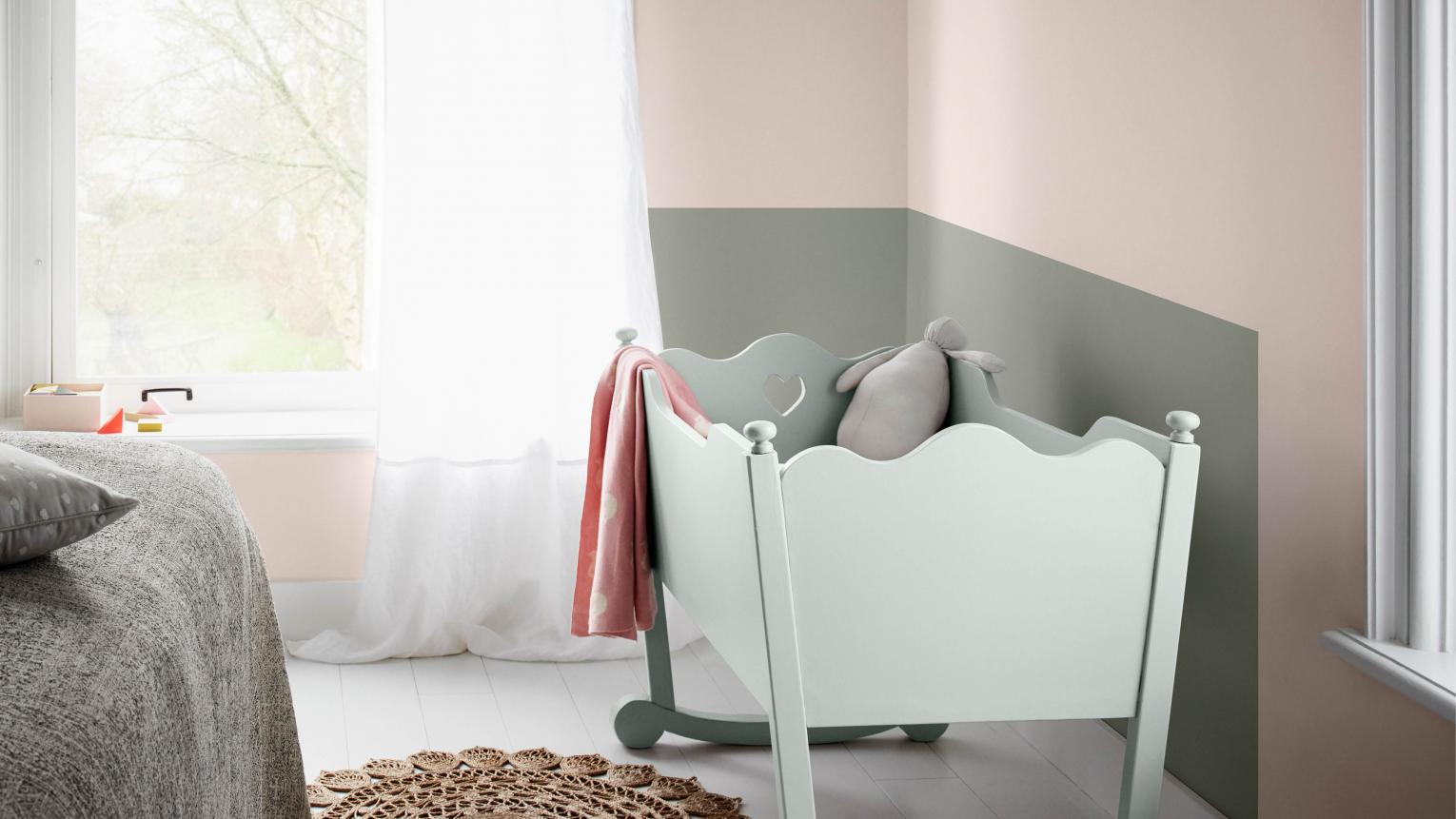 According to AkzoNobel {*} research, more than 17% of new parents transform a corner of their own bedroom into a nursery if they're short of space.