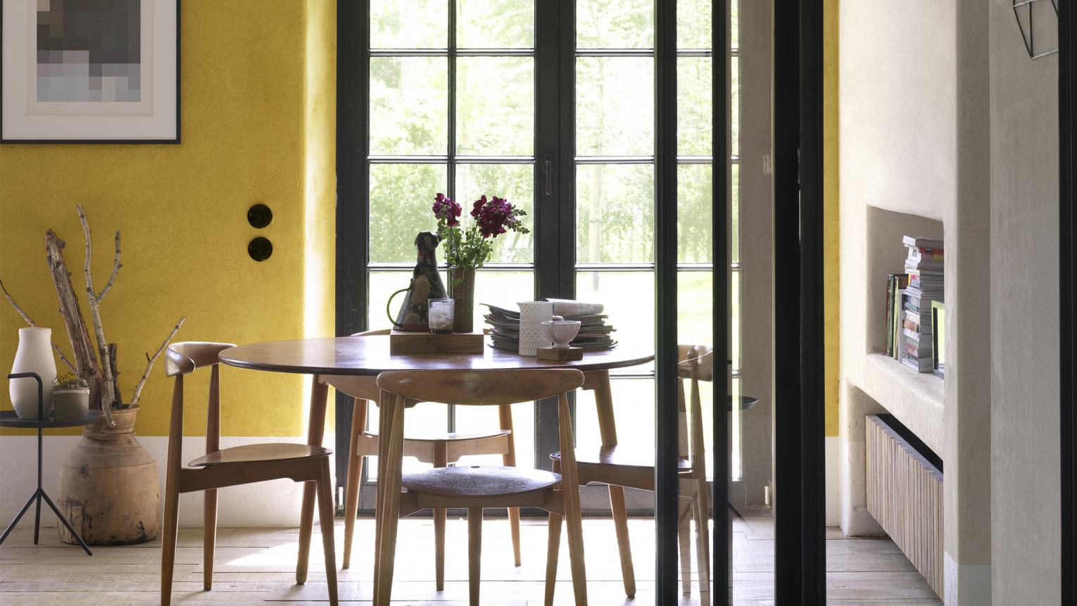 Multi-functional dining room? Choose a cohesive colour scheme that balances practicality with sophistication.