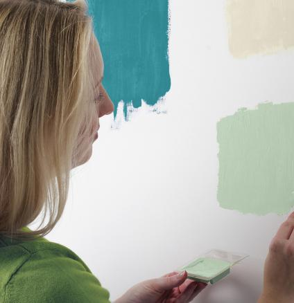 A little apprehensive about choosing the right paint colours? With our expert tips, you'll learn to trust your colour instincts.